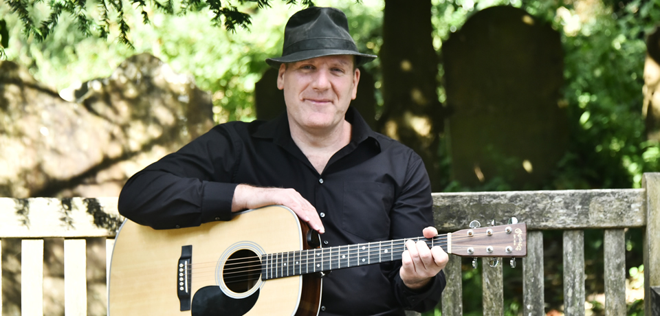 Paul Wingham - live music singer and acoustic guitarist from Horsham in Sussex