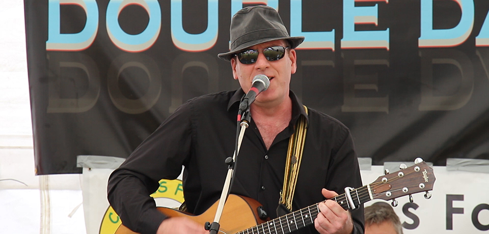 Paul Wingham - live music pub band from Horsham in Sussex